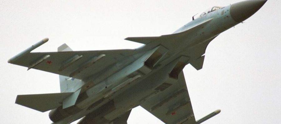 Су-35 в бой с американски самолети