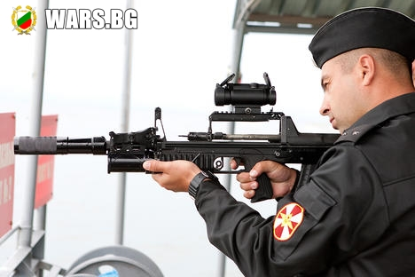 """Специалните части на Русия получиха нов """"подводен"""" автомат"""
