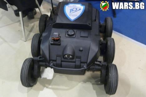 """В Русия ще изпитват система за управление на """"армия"""" от роботи"""