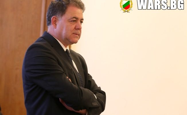 ЕКСКЛУЗИВНО! Военният министър с ново обвинение! Прокуратурата подпука Николай Ненчев за 260 000 лева