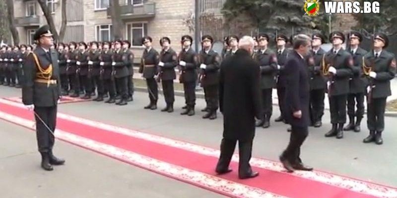 Върховният главнокомандващ на България е върховен резил !