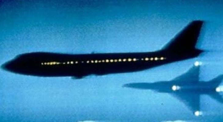 Руски пътнически лайнер на косъм от страшен сблъсък в небето със самолет на НАТО