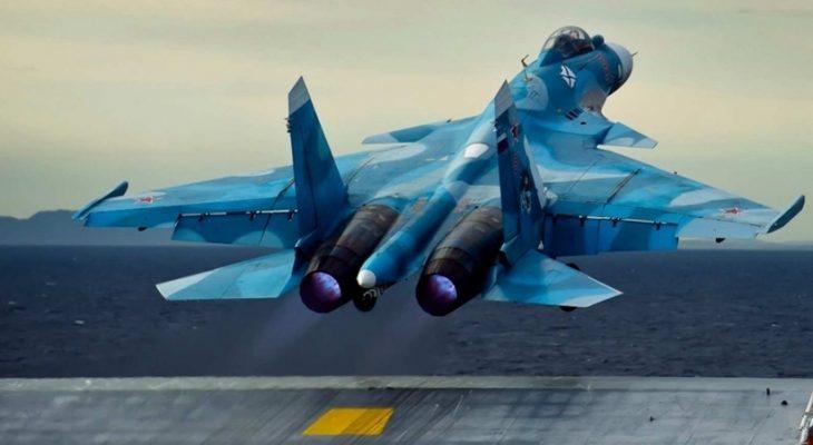 """Завръщането на авиокрилото на """"Кузнецов"""" оголи проблеми на руската Морска авиация"""