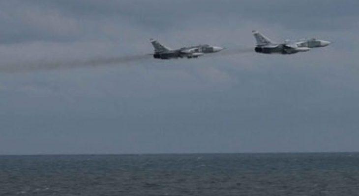ЕКСКЛУЗИВНИ КАДРИ: Вижте как руски Су-24 изплашиха моряците на миненосеца Porter