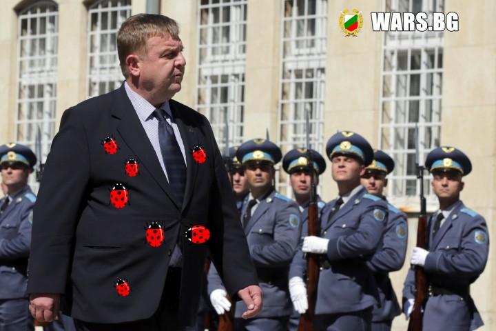 """Каракачанов ще модернизира армията с """"калинки"""""""