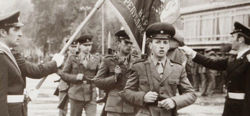 Войнишки спомени: Какво ми даде и какво взе от мен родната казарма?