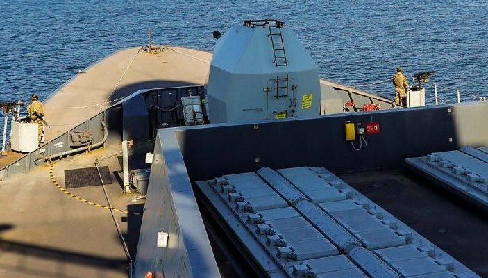 Турски военни кораби акостират във Варна