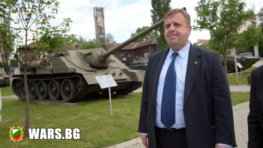 Армията наема от Сърбия 25 танка и 12 самолета, за парада на 6 май...