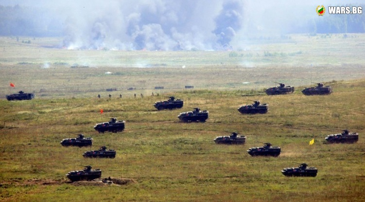 """ВИДЕО: Бойна авиация, стотици танкове, хиляди войници: Ученията """"Мирна мисия 2018"""""""