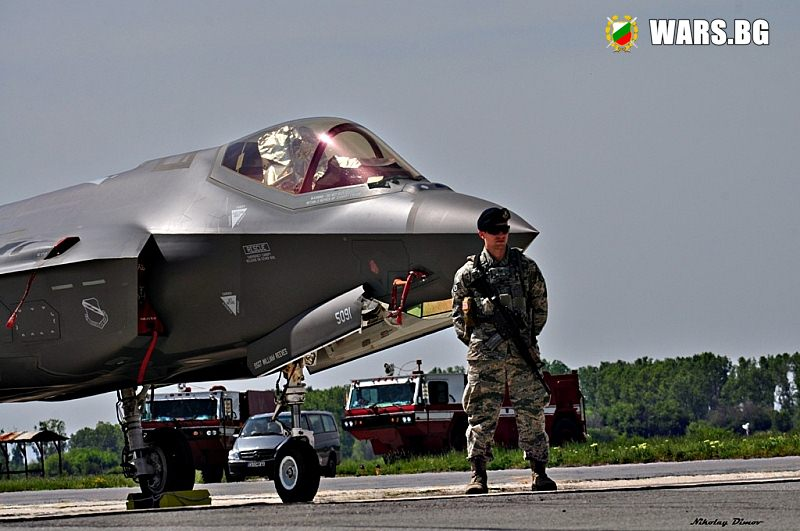 До кривата круша ли стигна групата за избор на изтребител за българските ВВС?