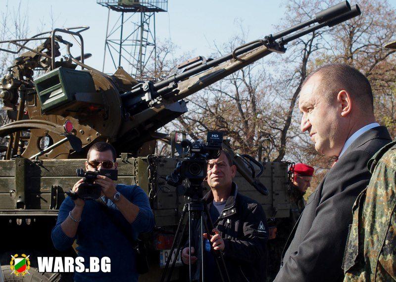 Позицията на върховният главнокомандващ на България - генерал Румен Радев