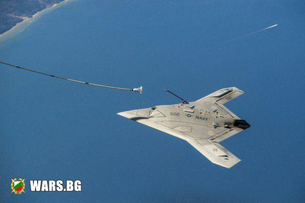 """Изненада от Русия: Показаха ударния безпилотен летящ апарат С-70 """"Охотник"""""""