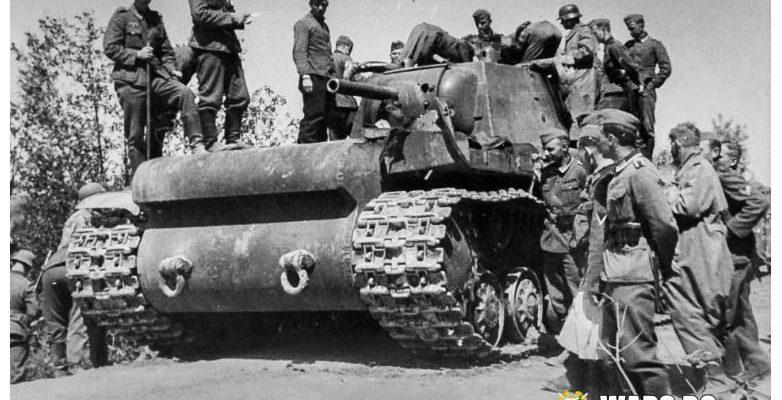 """""""Съветското чудовище"""" КВ-1: как цяла немска дивизия не знае как да се справи с един танк"""