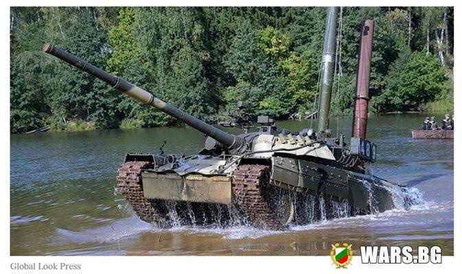 Най-трудното начинание: Руски танкисти упражниха сложни подводни умения