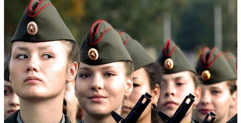 Руското МО: Налице е скок на интереса на рускините към военната служба