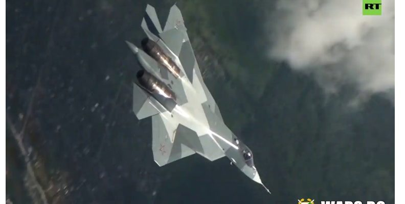 """Пилотаж на границата на възможното: вижте как Су-57 прави """"плосък свредел"""" (ВИДЕО)"""
