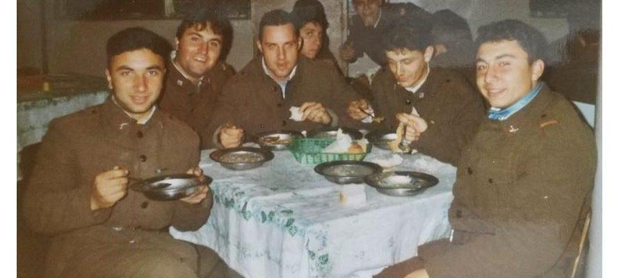 Как някога ни хранеха в Родната Казарма