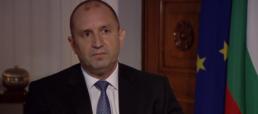 Президентът Радев разкритикува управляващите за сделката за F-16
