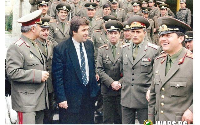 14 декември 1989 г- девета танкова бригада в Горна баня е приведена в пълна бойна готовност