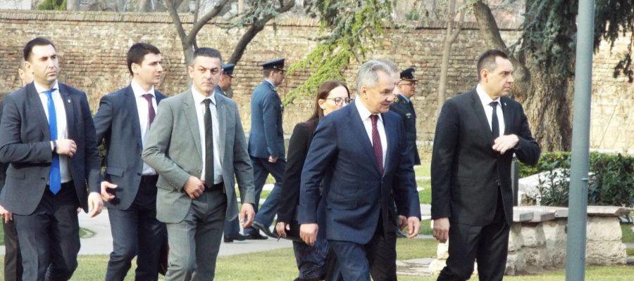 При засилени мерки приеха Шойгу в Сърбия +ВИДЕО
