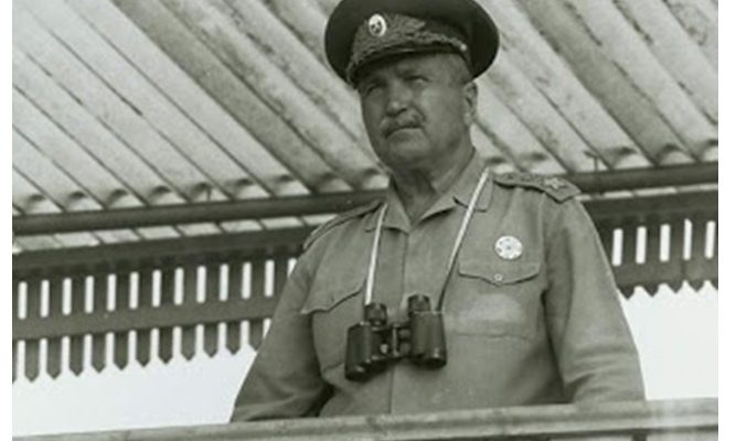 Ген Джуров се срива, виждайки негови офицери да ровят в кофите за боклук
